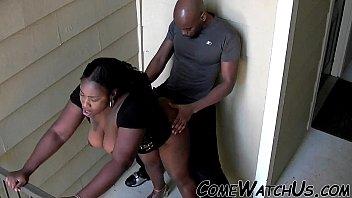 Муж публично ебет очаровательную жену перед вебкамерой, для того чтоб это повидал весь мир