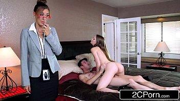 Обольстительный анальный секс с окончанием в анус
